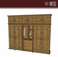 复杂的木质衣柜