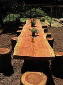 木制自然户外桌椅