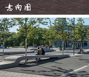 广场起伏公共坐凳