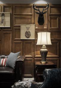 美式木头饰面沙发背景墙