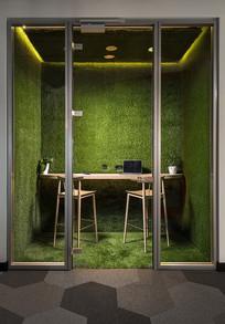 绿色背景墙私人办公室效果