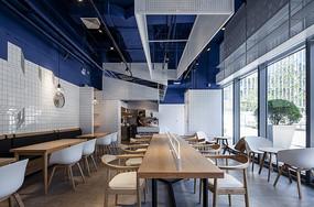 地中海风格咖啡厅长桌