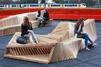 木质不规则结构坐凳 JPG