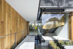 南非风格别墅的室内庭院 JPG