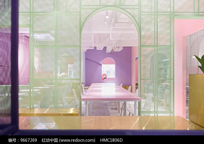 马卡龙色系长桌意向图片