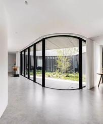别墅庭院弧度门窗意向