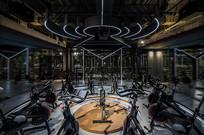 工业风健身俱乐部单车室