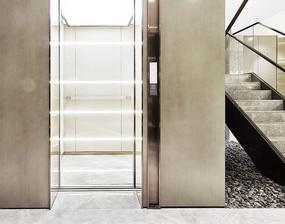干净的电梯间