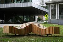 木质曲线趣味坐凳 JPG