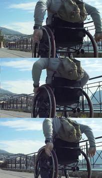 轮椅上的残疾人实拍视频素材