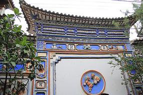 传统建筑屋檐雕花纹样