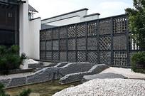 中式金属瓦片装饰景墙 JPG