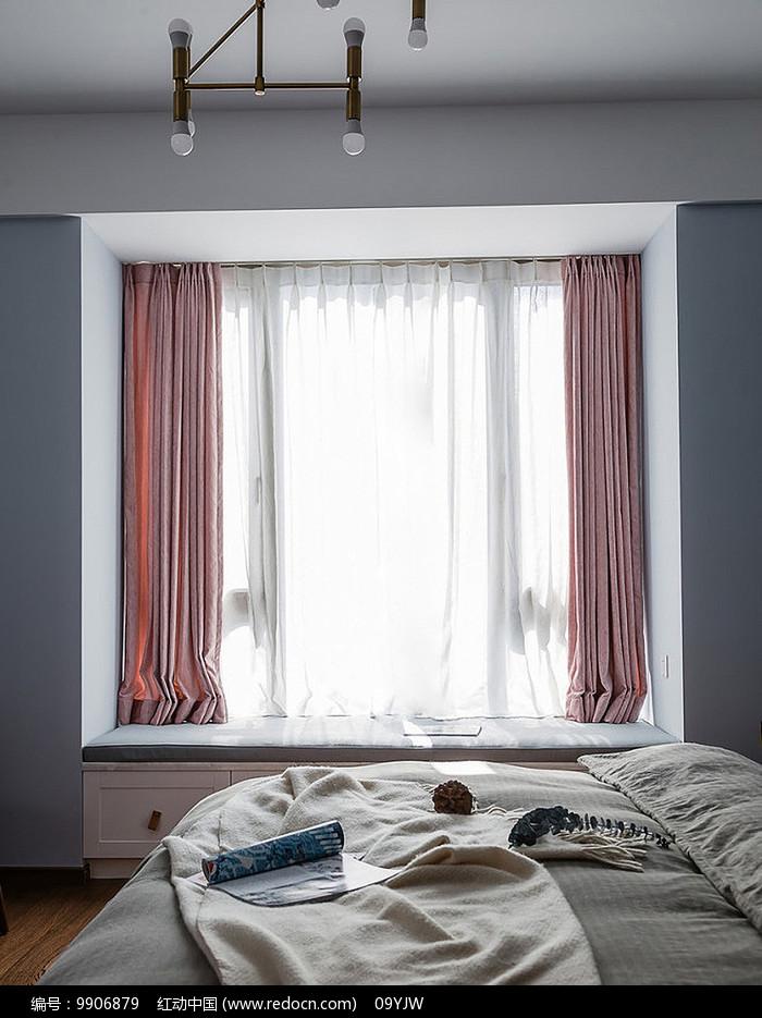 现代风格住宅卧室意向图片