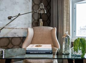 现代简约风格的书房书桌椅