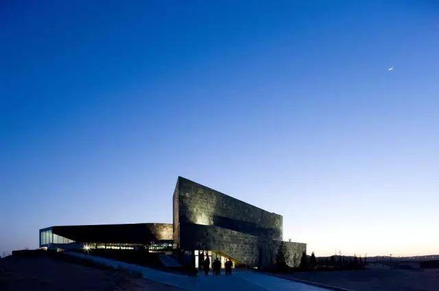 开放时间:每周二至周日9:00-17:00 周一闭馆   银川当代美术馆图片