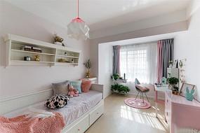 粉色系女童卧室