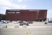 红色钢结构商场建筑意向