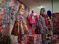 彩色服装模特展厅展示陈列