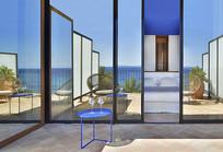 创意蓝色屋顶宾馆庭院