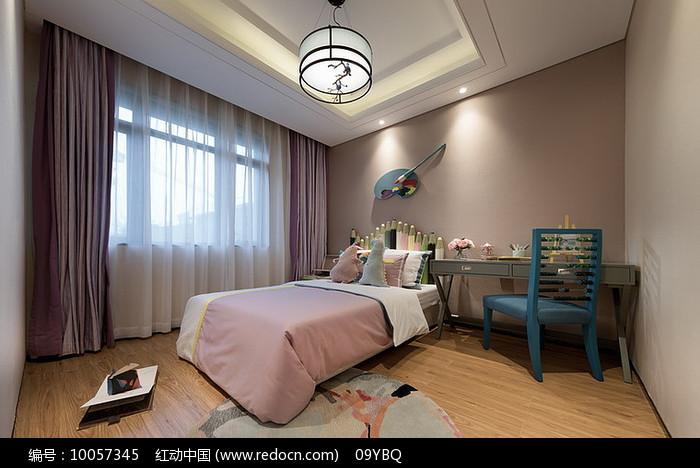 粉色女童房图片