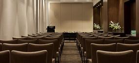 会议室狭长空间