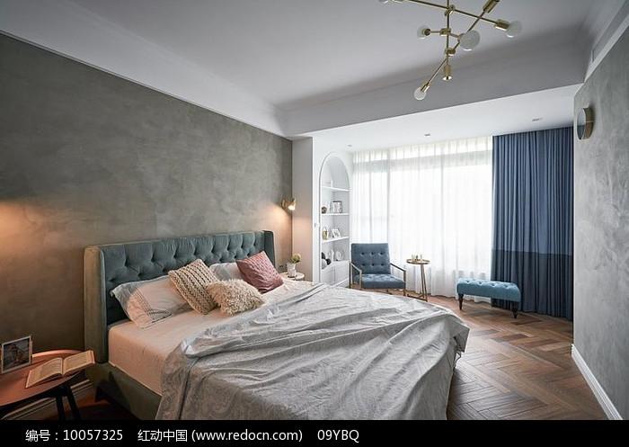 浅色系卧室设计图片