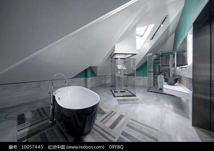 现代简约阁楼浴室图片