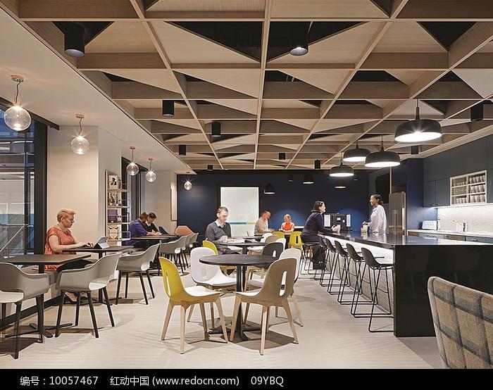 现代loft办公用餐区图片