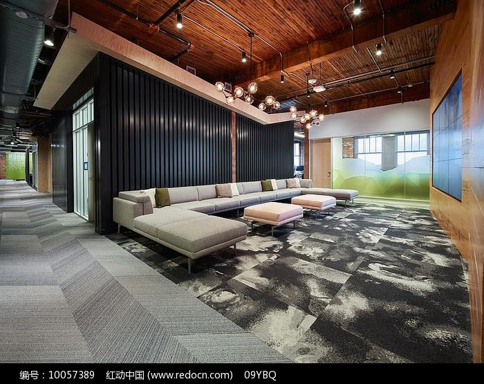 现代木质公司公司会客区图片