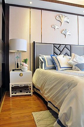 现代中式床头柜灯具