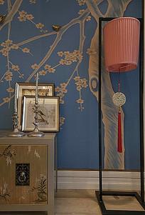 中式纹样花卉墙面装饰复古柜子