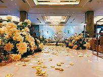 酒店婚礼大厅室内花卉景观