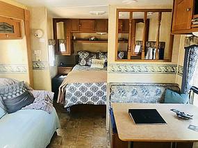 房车小户型室内卧室家具装饰