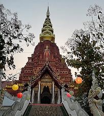 寺庙建筑尖顶纹样佛像景观