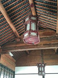 中式传统木质灯笼