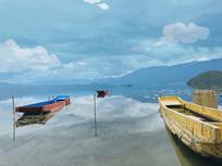 长天一色泸沽湖面风景图
