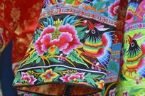 刺绣服装特写图