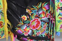 湖南少数民族传统服装特写图片