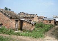 乡村旧瓦房