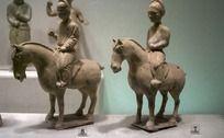 骑马人物陶器