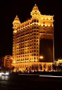 灯火辉煌的紫光苑大饭店夜景