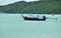海面上古老的游船