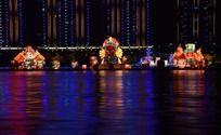 松花江上的京剧脸谱河灯景观