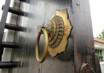 西关门上的铜门扣