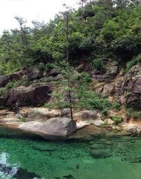 黄山东海景区清澈溪水