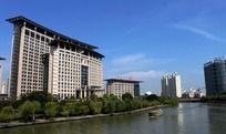 温州市政府大楼全景图