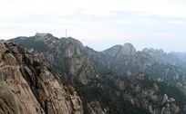 黄山连绵起伏的山峰