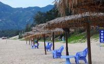 沙滩上的休息亭