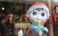 橱窗内的小玩具