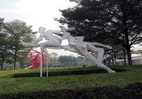 跑步跨栏分解动作镂空塑像